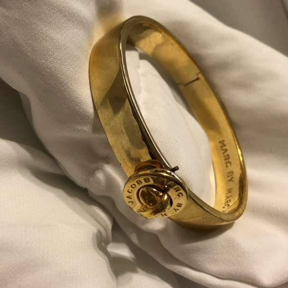 Marc by Marc Jacobs gold bangle bracelet